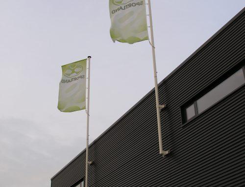 Vlaggenmastconstructie op dak